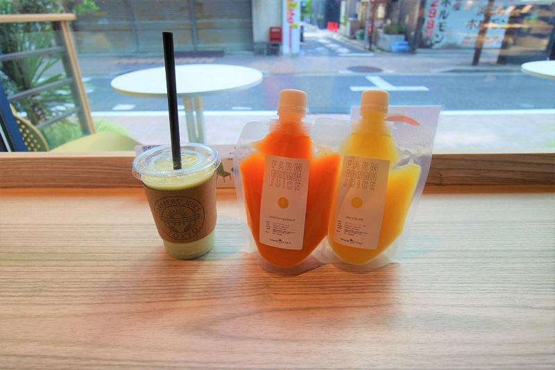 浜松町でコールドプレスジュースとスムージーを味わう